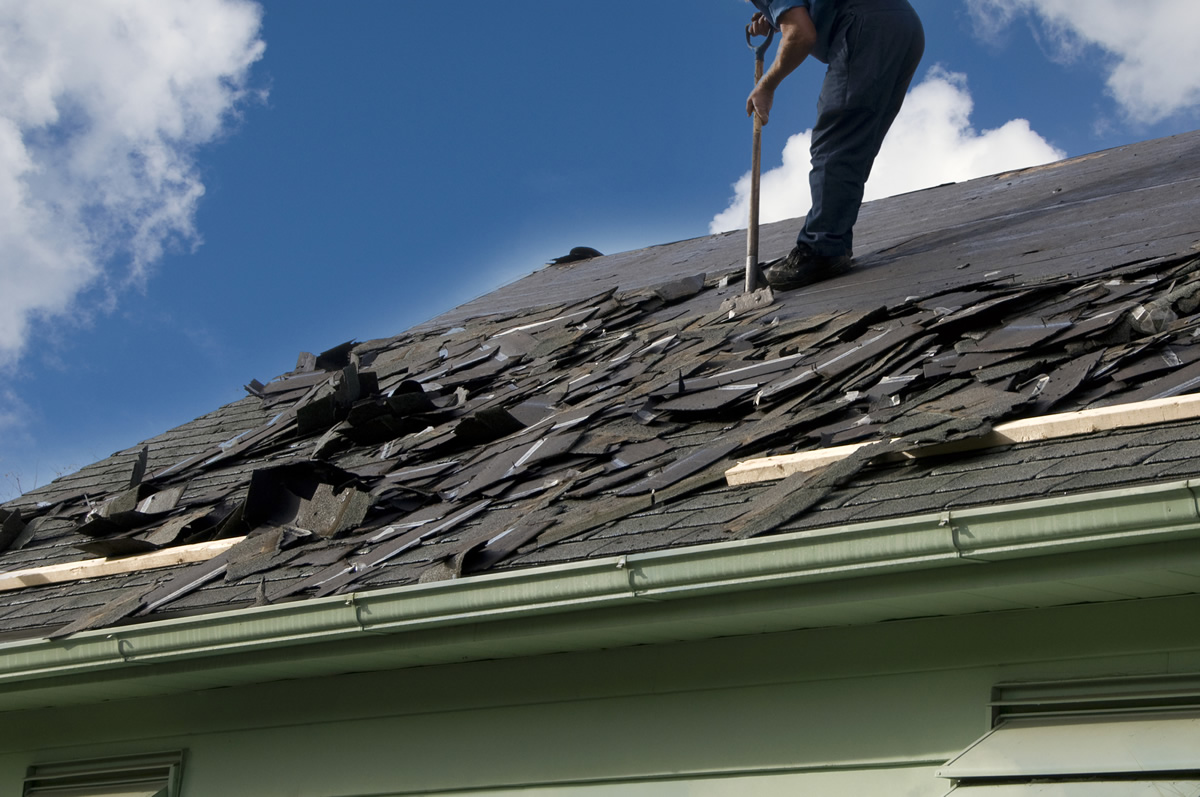 3 Situations Where You Should Replace Your Roof Instead of Repair It